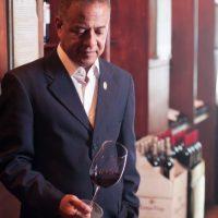El experto. Pablo Díaz es asesor enológico y educador de vinos de Manuel González Cuesta. Fundador y presidente de La Asociación Dominicana de Sommeliers (ADS), productor-conductor del programa Bacanales con Pablo Díaz, en radio y televisión. Foto:Fuente Externa