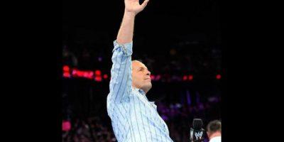 """A sus 58 años """"The Hitman"""" es un joven abuelo Foto:WWE"""
