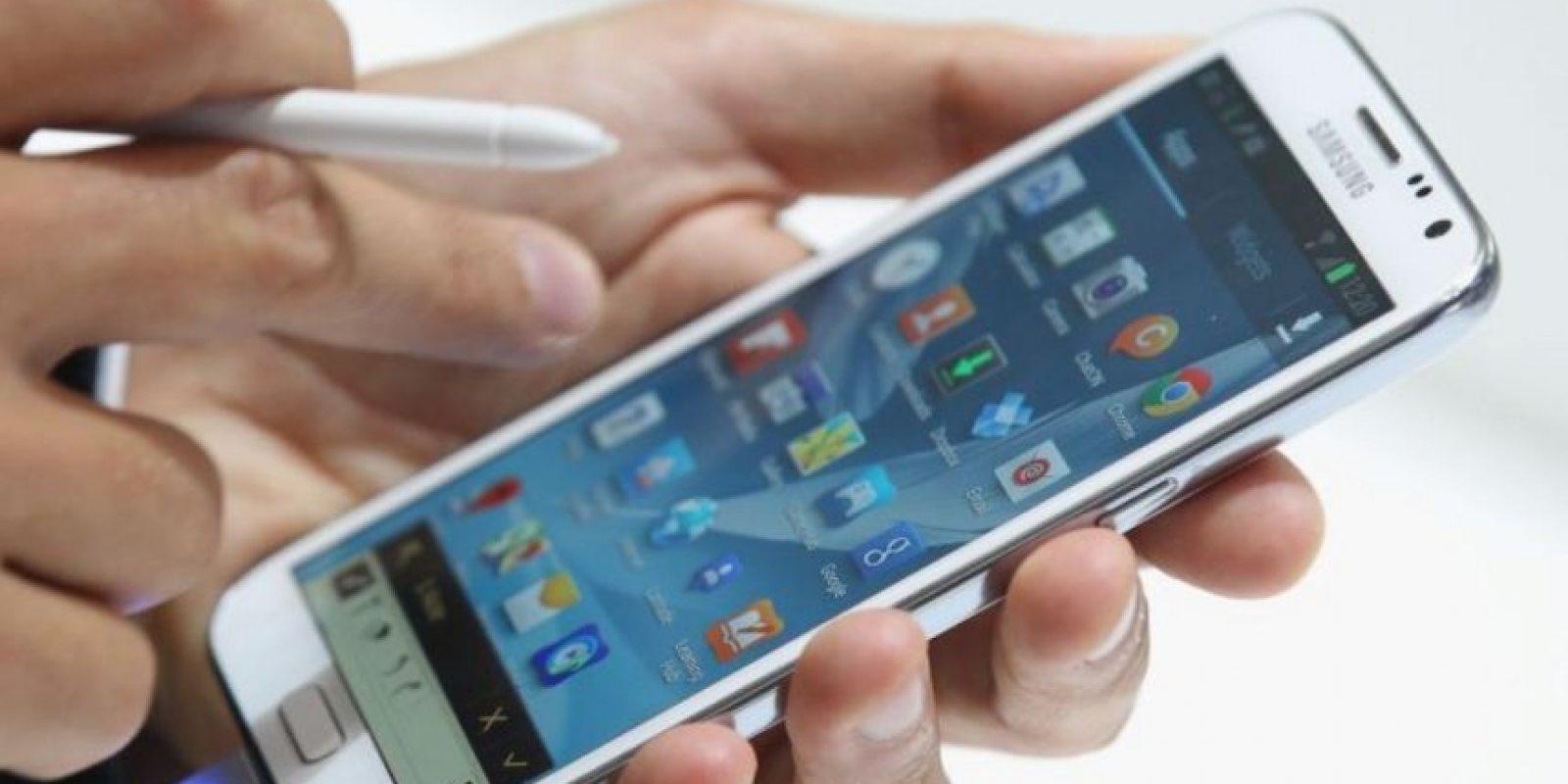 5. Coloquen el teléfono en modo avión el mayor tiempo posible. Foto:Getty Images