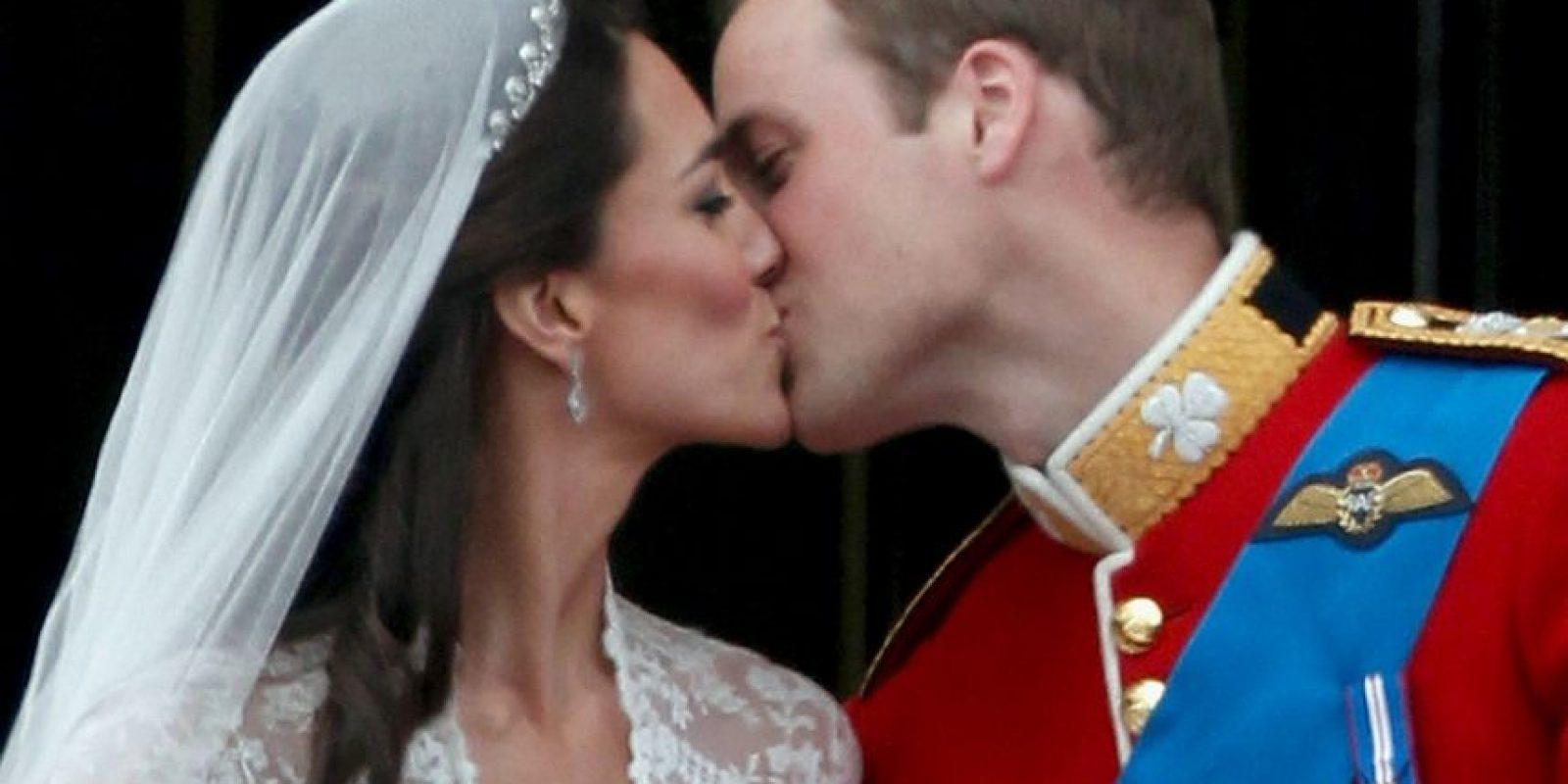 El día sirve para que las parejas de enamorados expresen su amor y cariño mutuo. Foto:Getty Images
