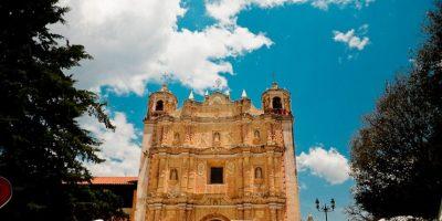 6- Visitará hogar de defensores de indígenas. Durante su visita a Chiapas, Francisco estará en la diócesis de San Cristóbal, hogar de dos de los clérigos que se hicieron famosos por defender a los indígenas, Bartolomé de las Casas y Samuel Ruiz.