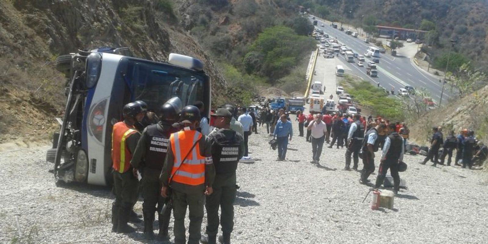 Imágenes del accidente del autobús de San Lorenzo Foto:AP
