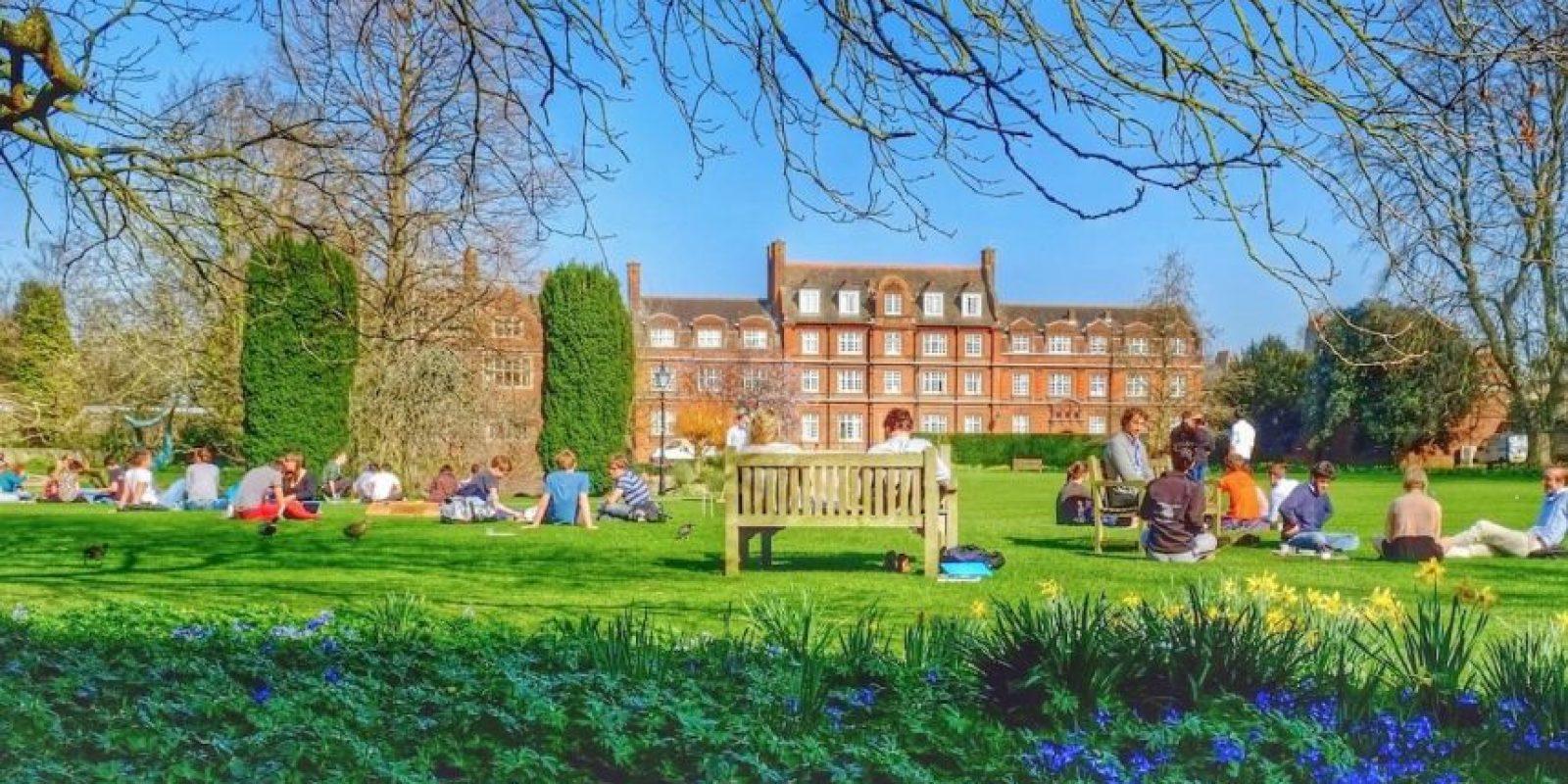 A formado a una gran cantidad de los más destacados científicos, escritores y políticos del Reino Unido. Foto:facebook.com/cambridge.university/