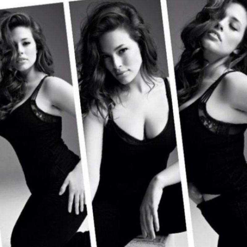Se siente orgullosa de sus curvas. Foto:Vía Instagram: @theashleygraham