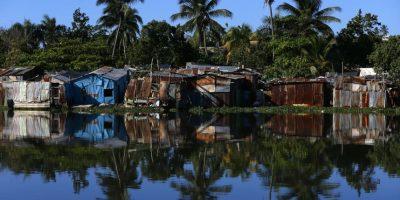 Los hábitos y condiciones de vida de los moradores a orillas del ríos los convierten en víctimas y partes del problema. Foto:Fuente Externa