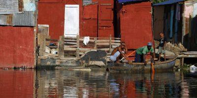 Decenas de comunidades humildes se ubican en las orillas de los ríos Ozama e Isabela. Foto:Fuente Externa