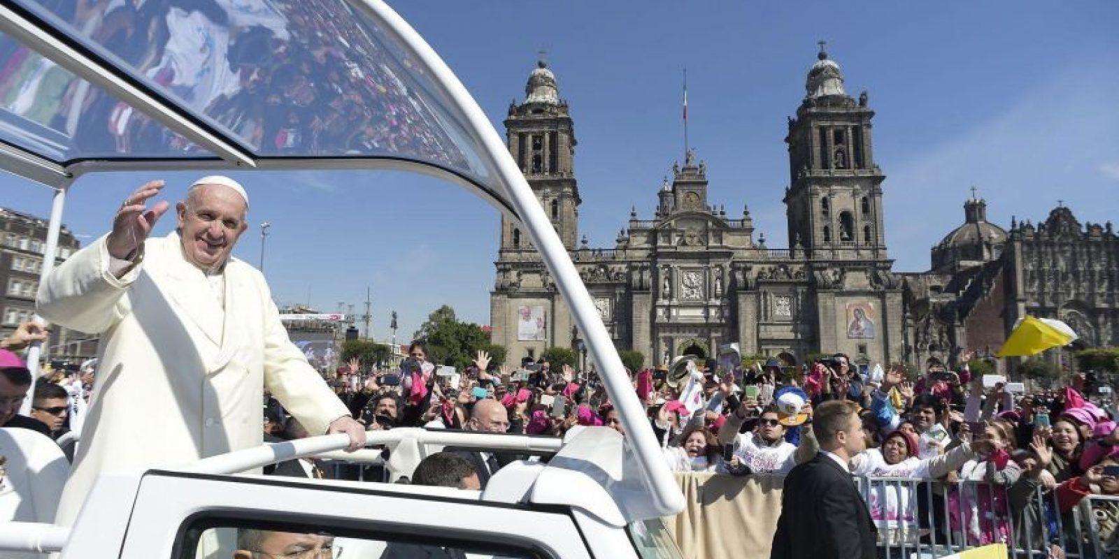 El recorrido de Francisco en México comenzó en la capital azteca. Foto:EFE