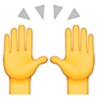 5. Las dos manos en muchas ocasiones son empleadas para alabar u orar, pero en realidad representan la celebración del éxito u otro acontecimiento feliz. Foto:Vía emojipedia.org