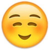 6. No es un rostro de pena o vergüenza, simplemente es una sonrisa. Foto:Vía emojipedia.org