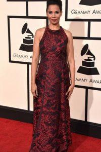 Rhiannon Giddens, en un color bastante favorecedor. Foto:vía Getty Images