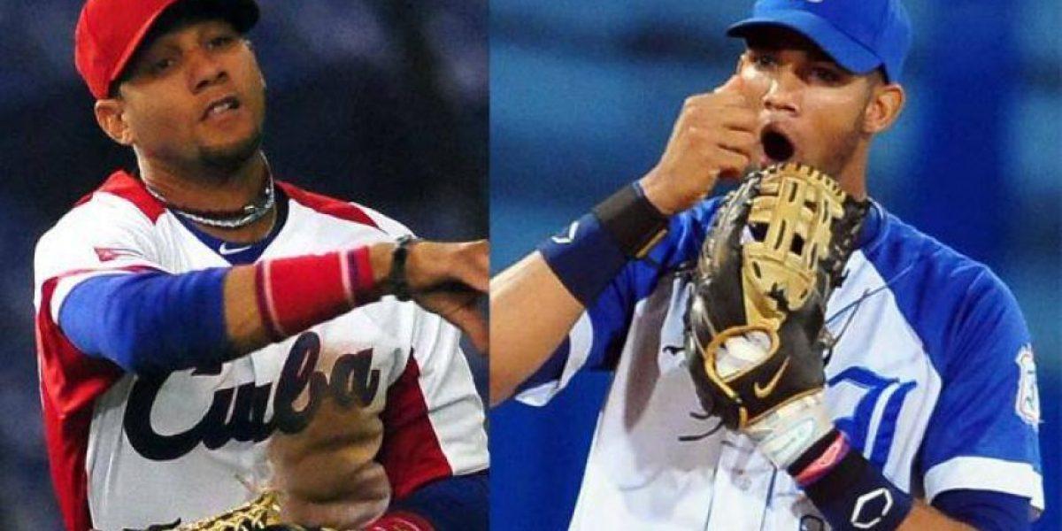 Los hermanos Gurriel entrenan con la meta de jugar en MLB