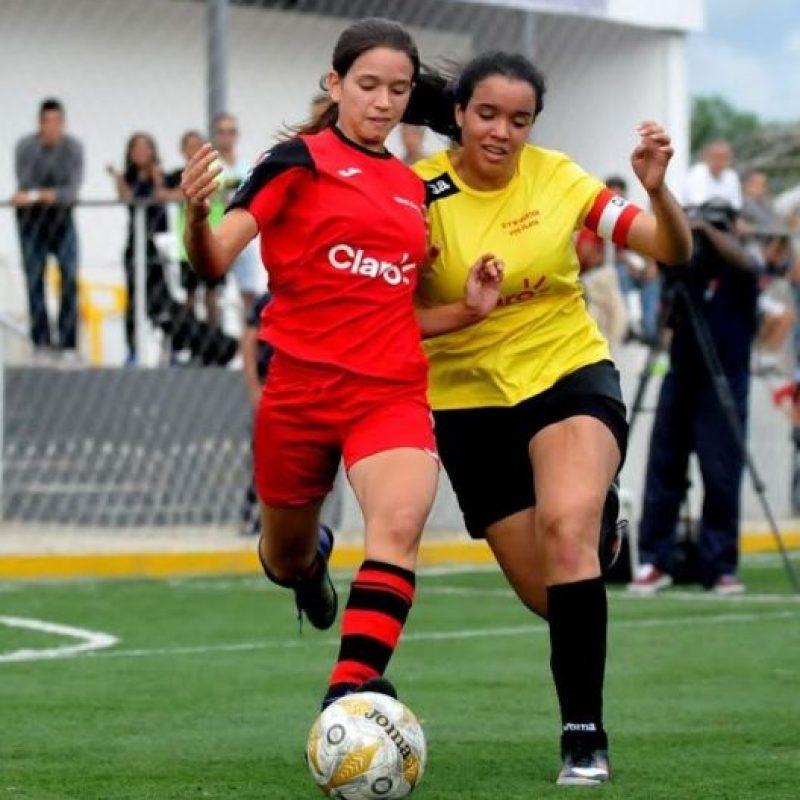 Un momento de acción del partido entre los equipos Oasis Christian y O M Hostos Puerto Plata en las semifinales de la etapa cibaeña de la Cop Foto:Fuente Externa