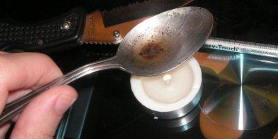 Un producto semi-sintético, altamente adictivo, que puede ser ingerido por inyección intravenosa, fumado e inhalado Foto:Wikipedia Commons