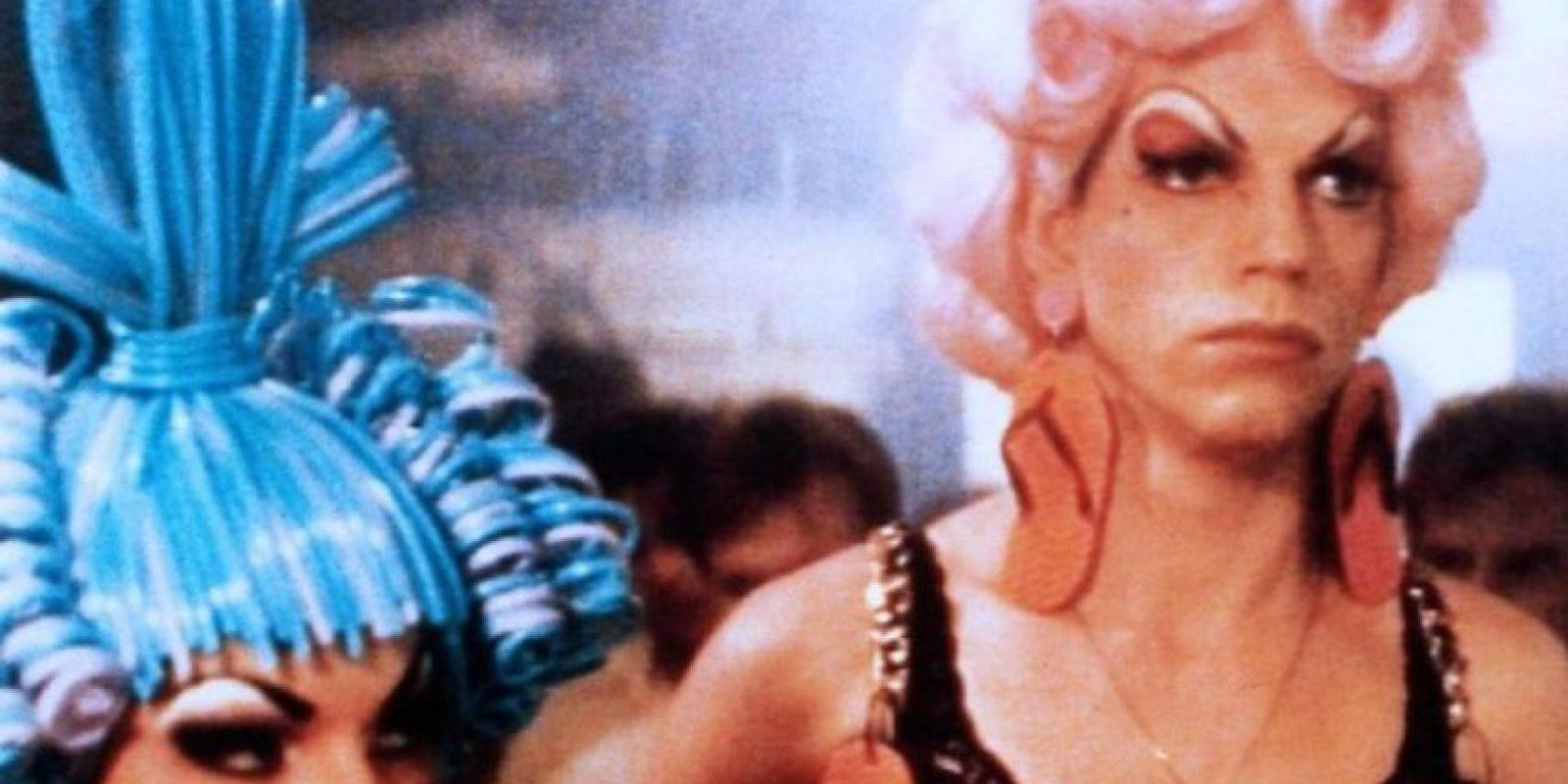 """Hugo Weaving es famoso por """"Priscilla, la reina del desierto"""". Foto:vía PolyGram"""