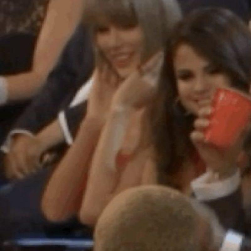 7. Aquí Taylor coqueteando con Pharrel Foto:Vía Youtube TNT