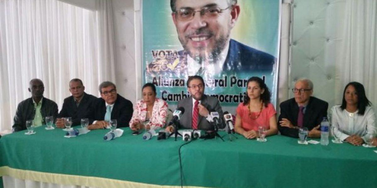 Alianza País pide denunciar en redes sociales uso ilegal de fondos públicos