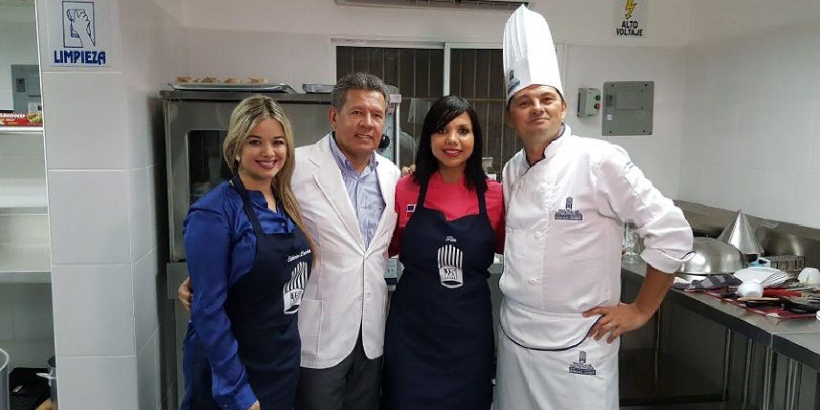 Catherine Lemoine, Adolfo Artiles, Inés Paez (chef Tita) y el chef Gilles Brune. Foto:Fuente Externa