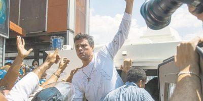 A dos años del encierro de López, la crisis económica ahoga a Maduro
