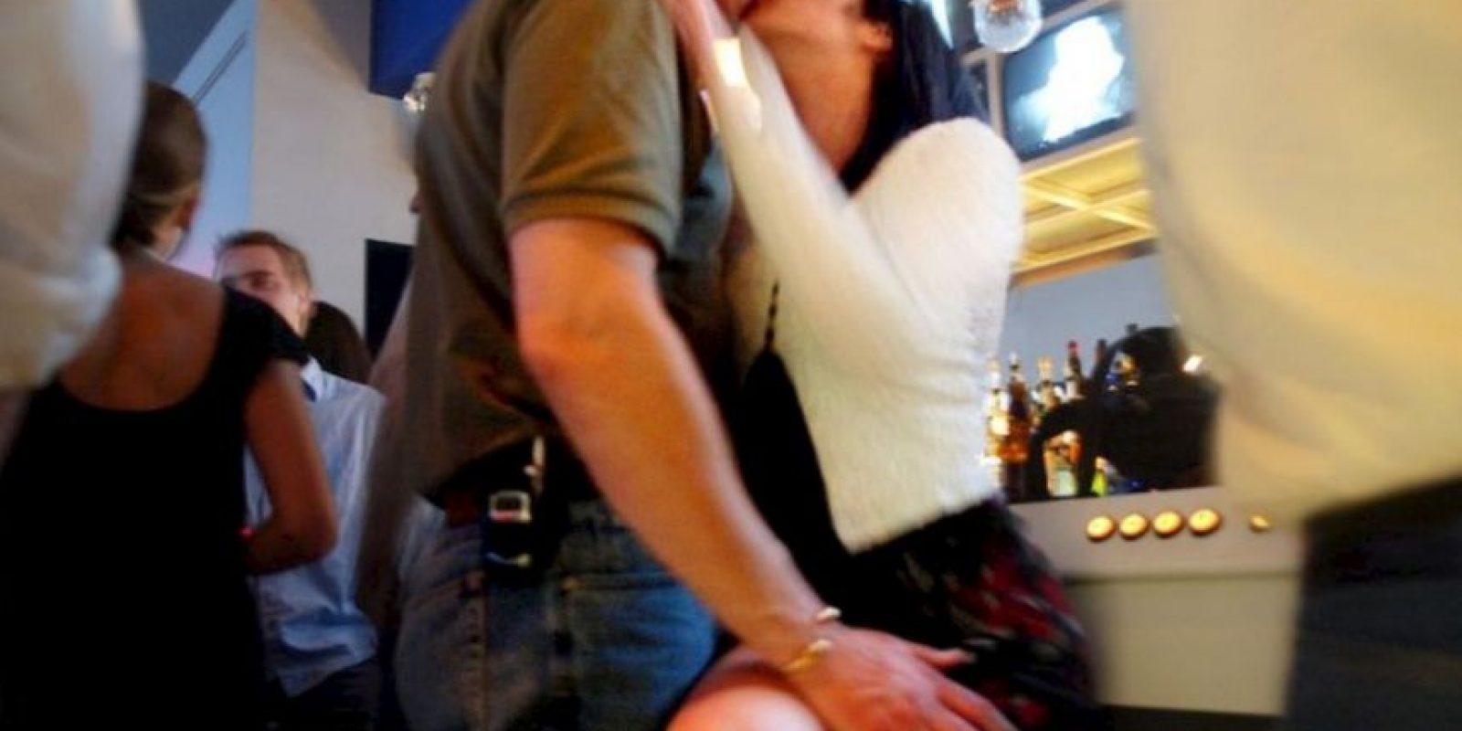 Si hacen sexting, cuidado con enviar su cara. Esto se puede prestar para revenge porn. Foto:Getty Images