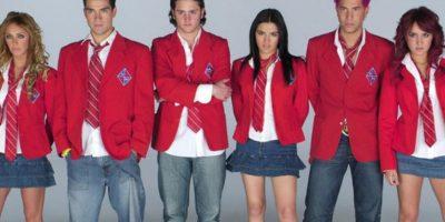 1. El imperio de RBD: falditas de olán hasta la cintura, corbatas y blazers. NO. Foto:vía Televisa