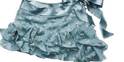 16. Esta falda. Aberración que podía ir combinada con top y boina, mas extensiones. Foto:vía Makeupalley