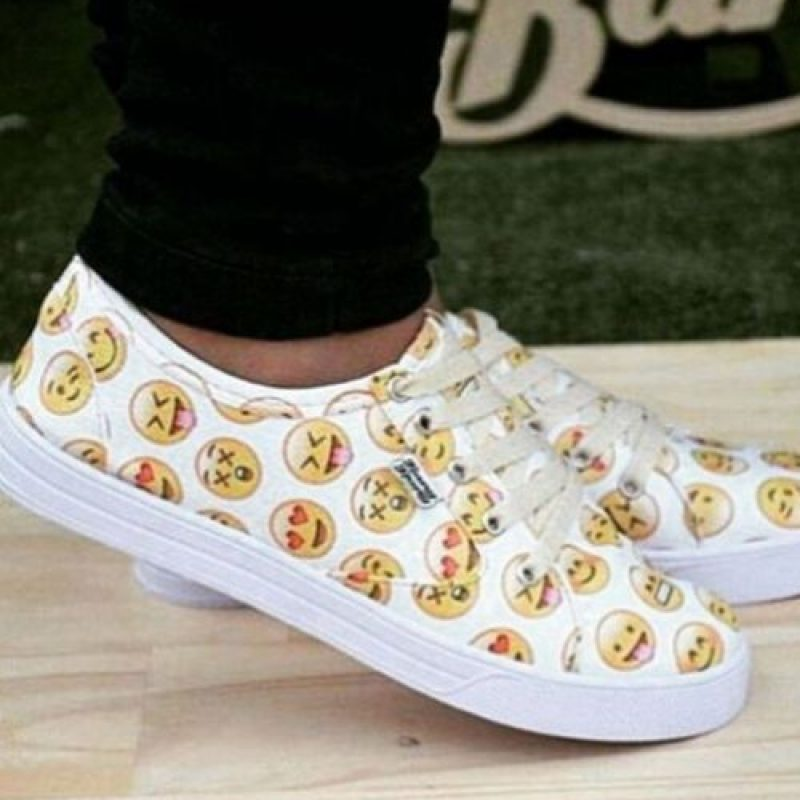 Zapatos deportivos. Foto:Vía instagram.com/willd_rude_girl