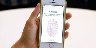 """7 razones por las que Apple no quiere que el FBI """"espíe"""" el iPhone"""
