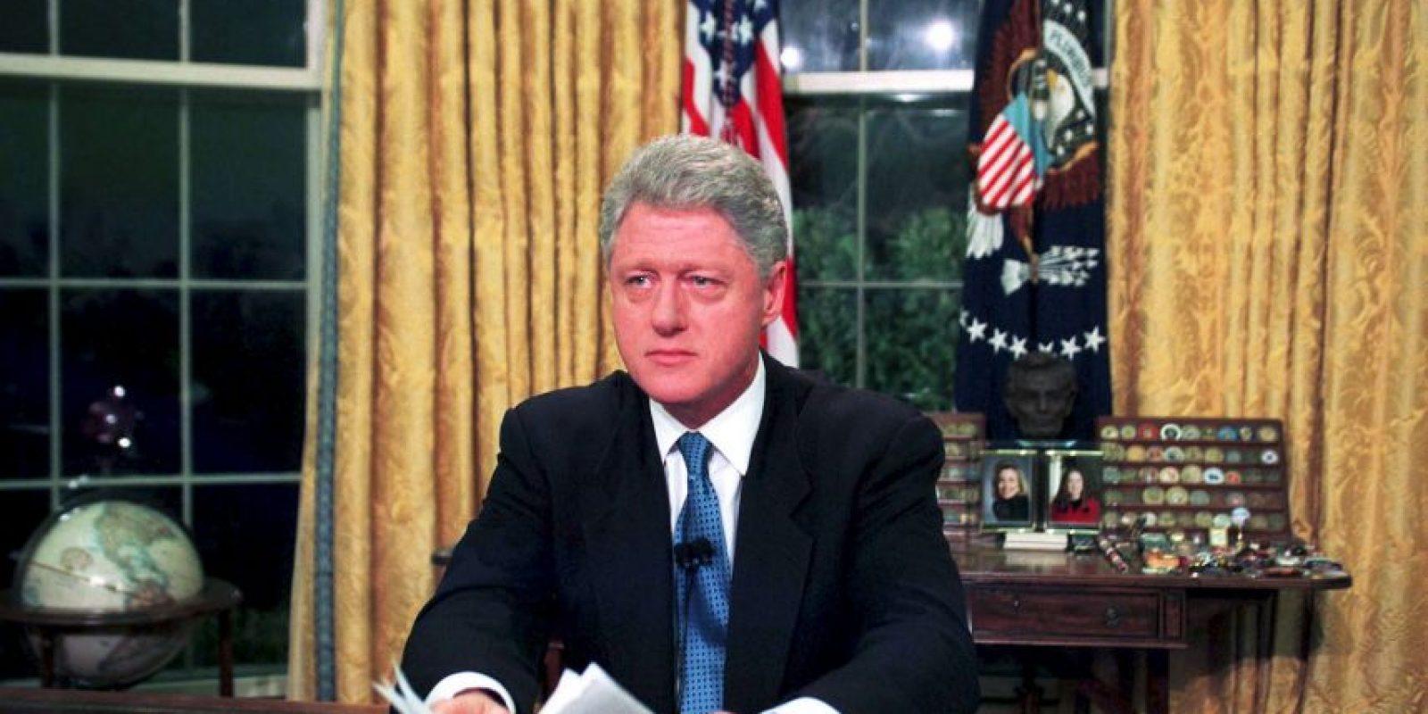 Para marzo de 1996, el presidente demócrata Bill Clinton promulga la Ley Helms-Burton, que permite demandar a quienes negocien con propiedades confiscadas a estadounidenses en la isla. Foto:Getty Images
