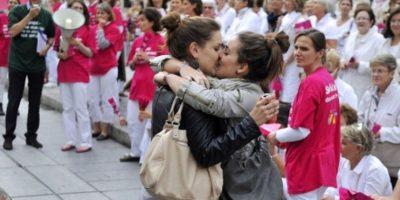 En abril de 2013 el país aprobó legalmente el matrimonio entre estas parejas. Foto:AFP