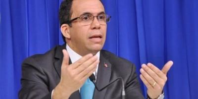 Canciller Navarro impartirá conferencia sobre política exterior en Adoexpo