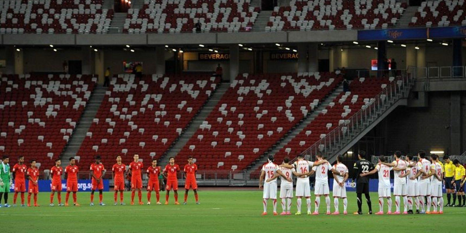 Mientras que los terceros lugares de cada grupo juegan una eliminatoria para obtener el pase a la reclasificación contra el cuarto lugar de Concacaf Foto:Getty Images