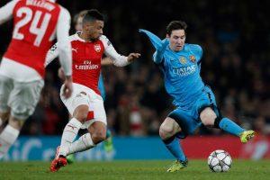 """La """"Pulga"""" fue molestada por los futbolistas del Arsenal Foto:AFP"""