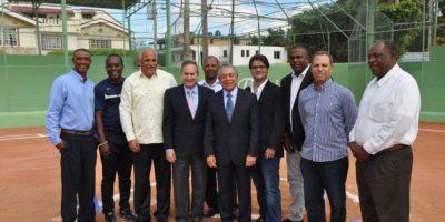 Cervecería Nacional Dominicana entrega los primeros 32 estadios remozados