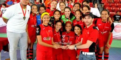 Oasis Christian campeón la Copa Intercolegial Claro de Futsal Femenino