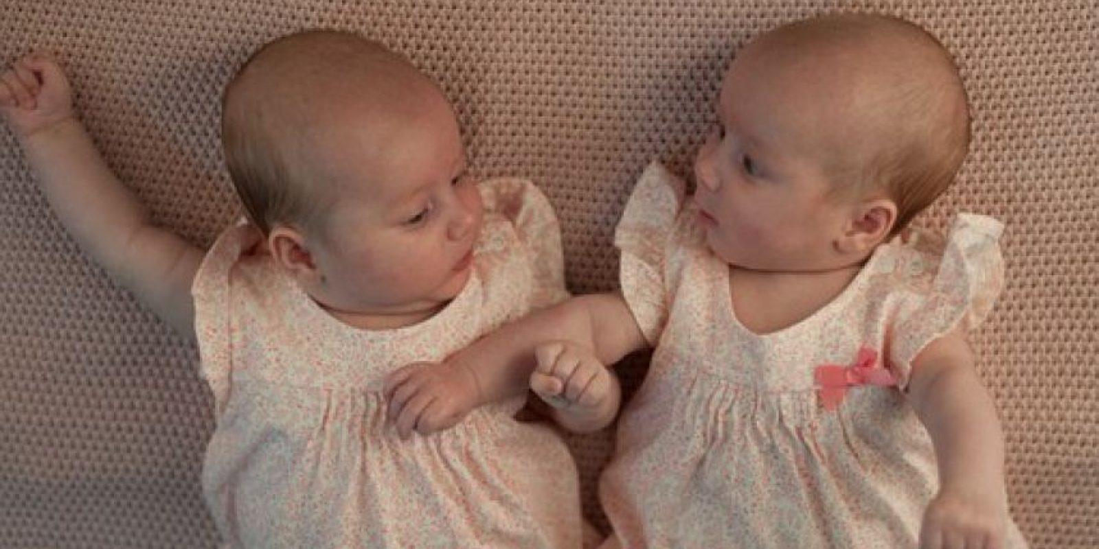 Mellizo: Nacido de un mismo parto y originado de distinto óvulo. Foto:Vía Pixabay