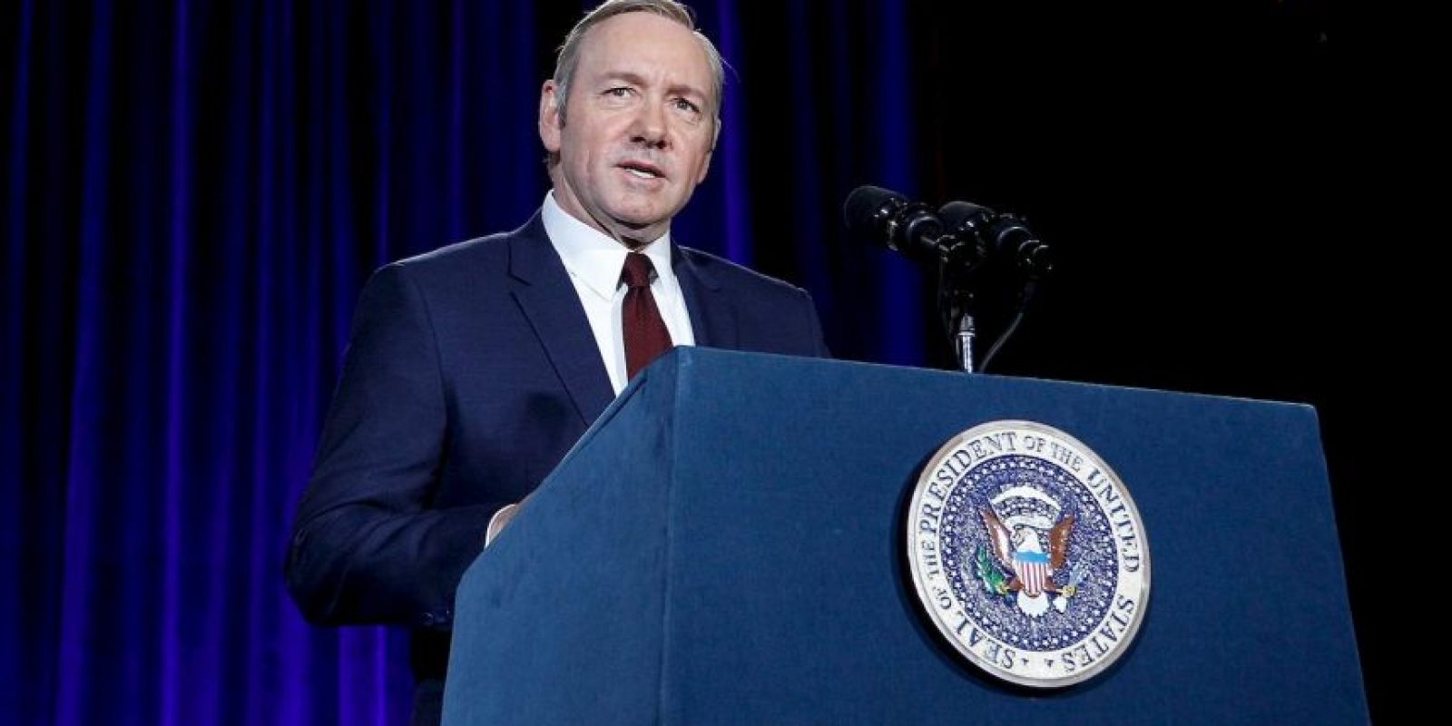 El propio actor Kevin Spacey acudió a la develación del retrato, caracterizado como Frank Underwood Foto: House of Cards