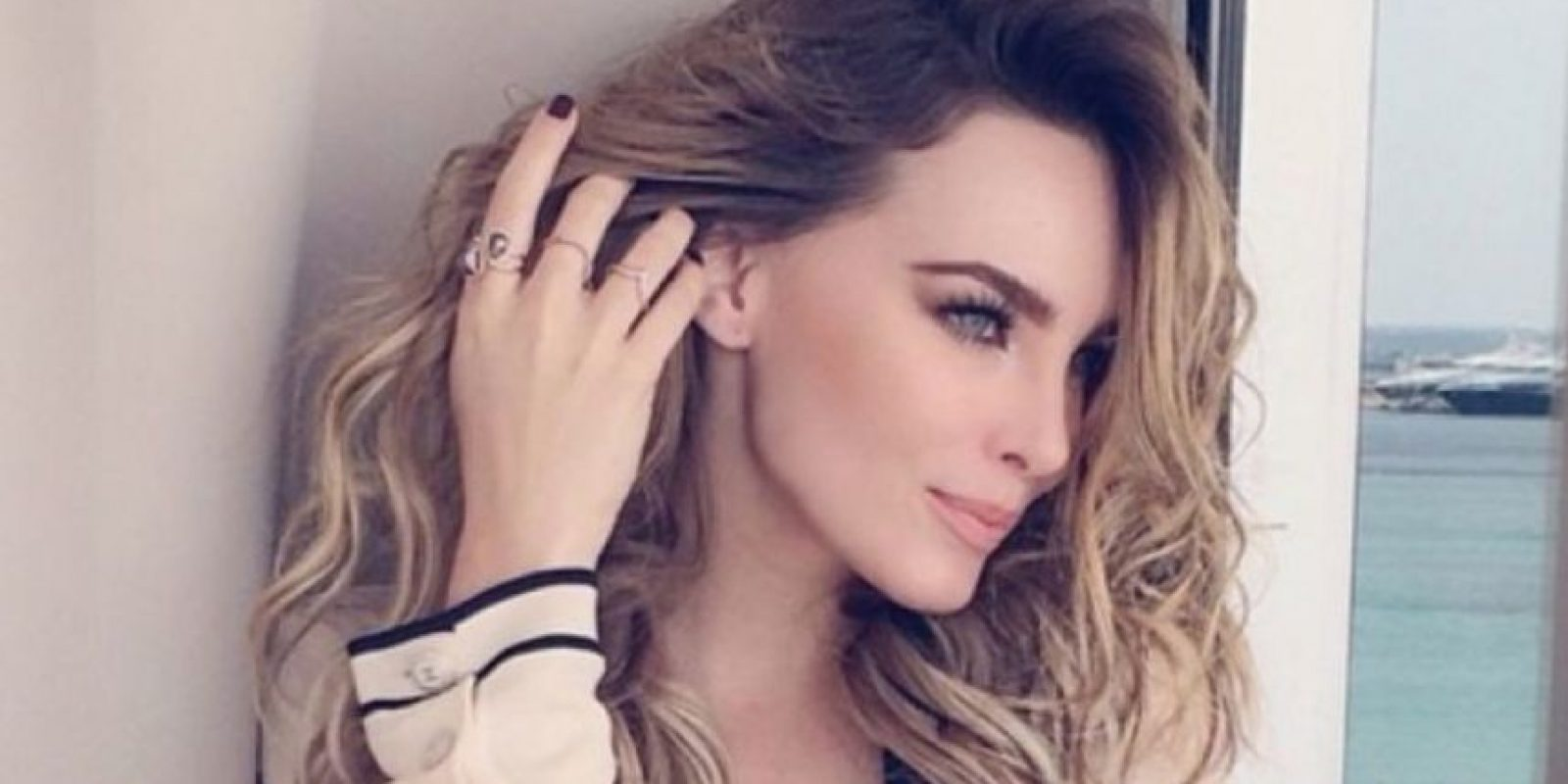 Esta no ha sido la única polémica por la que la cantante pasa, ya que en la reciente visita del Papa Francisco a México, la cantante fue acusada de haber hecho enojar al Pontífice. Foto:Vía Instagram/@belindapop