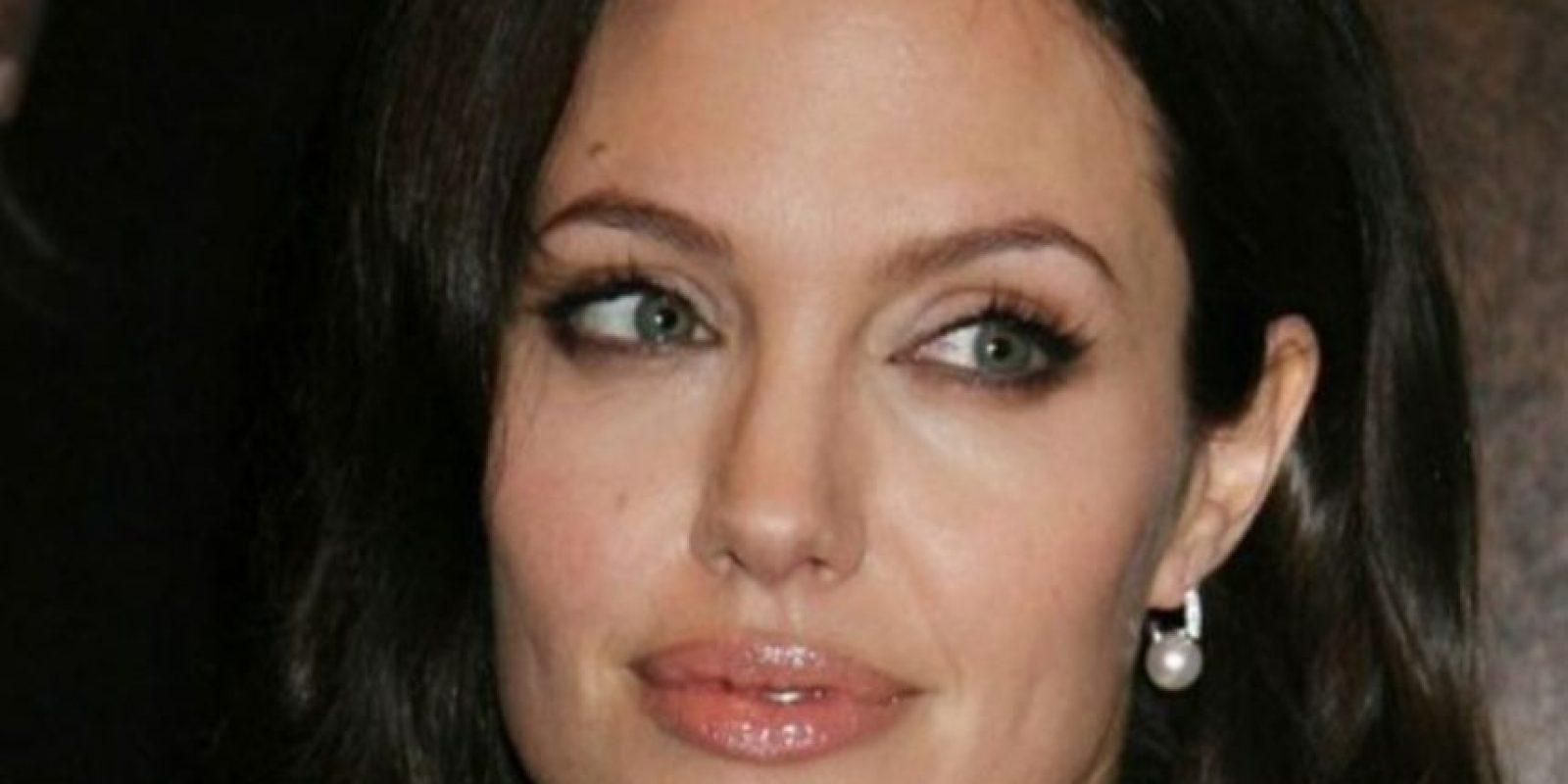 Así es, este gran tatuaje es de Angelina Jolie Foto:Getty Images