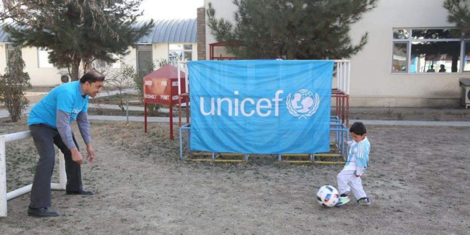 De acuerdo a una entrevista brindada por su tío, tanto la embajada española y el Barcelona están trabajando en ello Foto:facebook.com/afghanistanunicef/