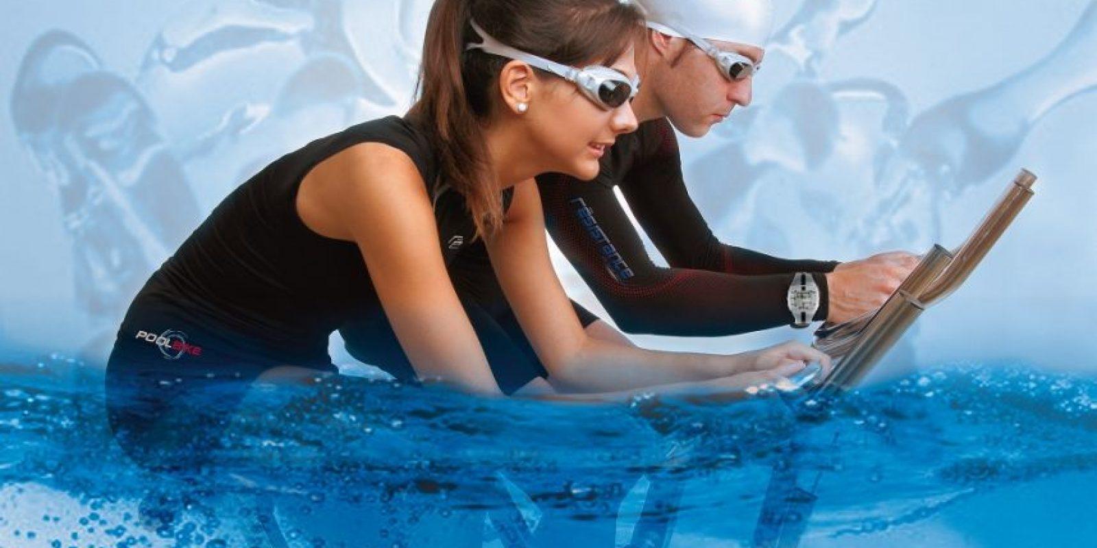 Los entrenamientos de bicicleta acuática ayudan a perder hasta 450 calorías en una sesión de 45 minutos. Foto:Fuente Externa