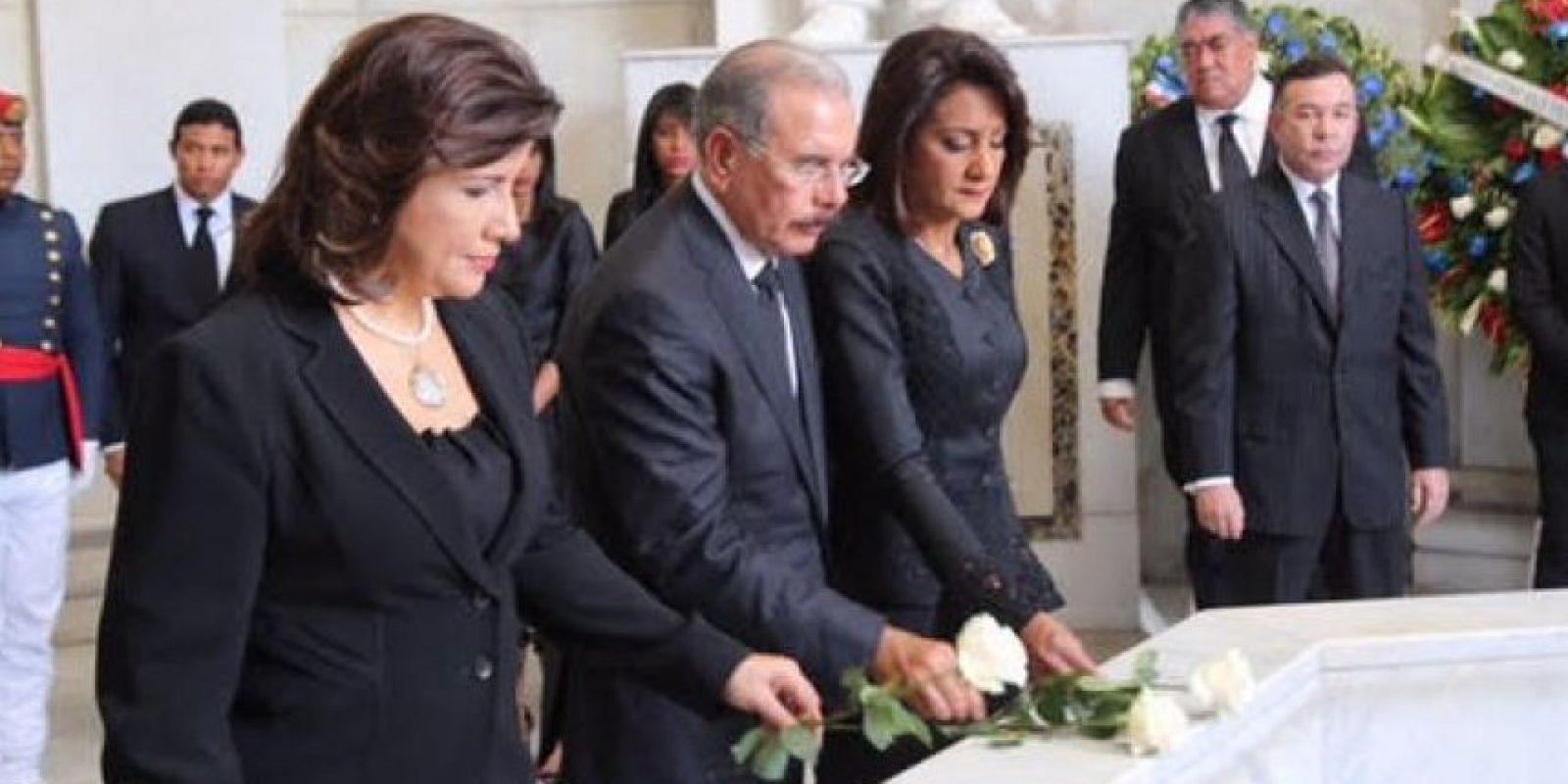 Ofrenda Floral en el Altar de la Patria Foto:@PresidenciaRD