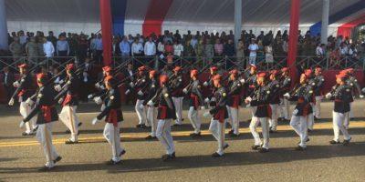 Con el desfile militar culminan actos en honor al 172 aniversario de la Independencia