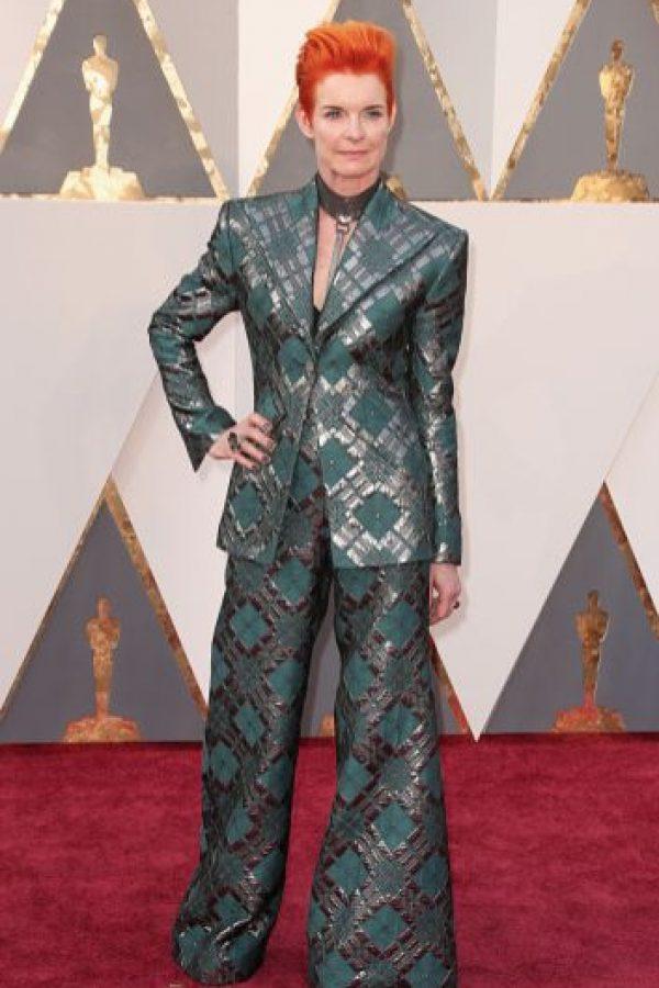 Sandy Powell es una genio del vestuario, pero Lady Gaga ya imitó a David Bowie. Foto:vía Getty Images