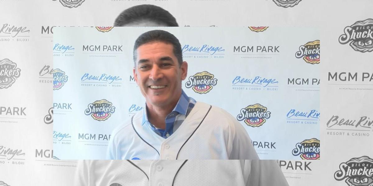 Mike Guerrero, nuevo manager de los Shucker en AA