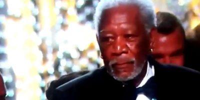 Morgan Freeman es captado cometiendo un gracioso acto en los Oscar