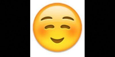 2. No es un rostro de pena o vergüenza, simplemente es una sonrisa Foto:vía emojipedia.org