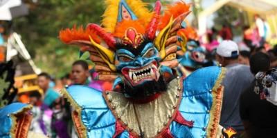 Más de 200 comparsas de 31 provincias en el desfile del carnaval de Santo Domingo