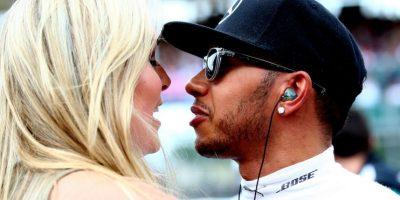 En los últimos meses se ha relacionado a la esquiadora estadounidense Lindsey Vonn con el piloto Lewis Hamilton. Foto:Getty Images