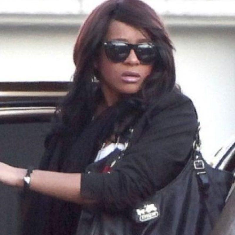 FOTOS: Las macabras coincidencias de las muertes de Bobbi Kristina Brown y Whitney Houston Luego de la discusión con Nick Gordon, su hija fue hallada de la misma forma. Foto:Getty Images