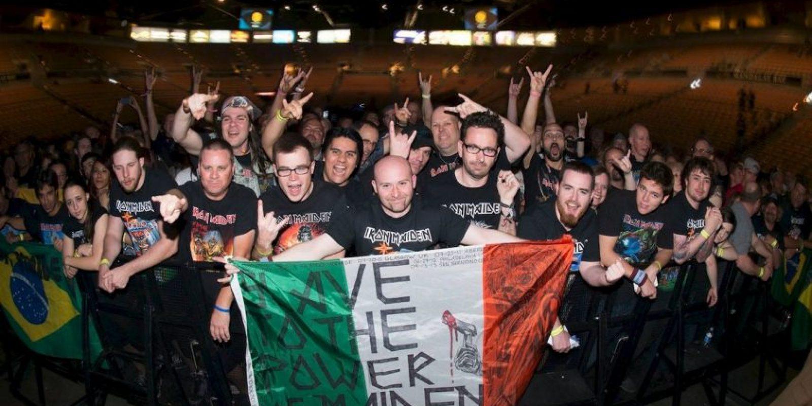 El baterista de la banda británica, Nicko McBrain, pasó un trago amargo Foto:Vía facebook.com/ironmaiden/